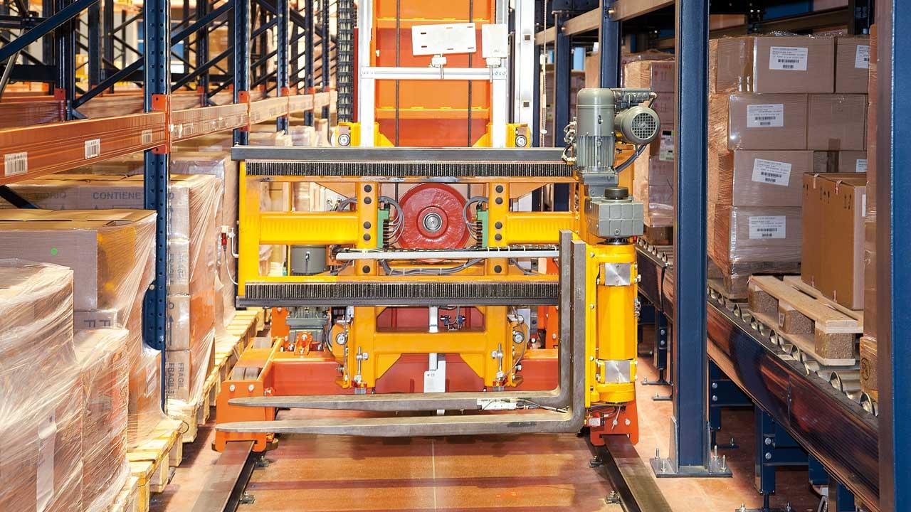 Case study Automatic Trilateral Stacker Crane: Disalfarm