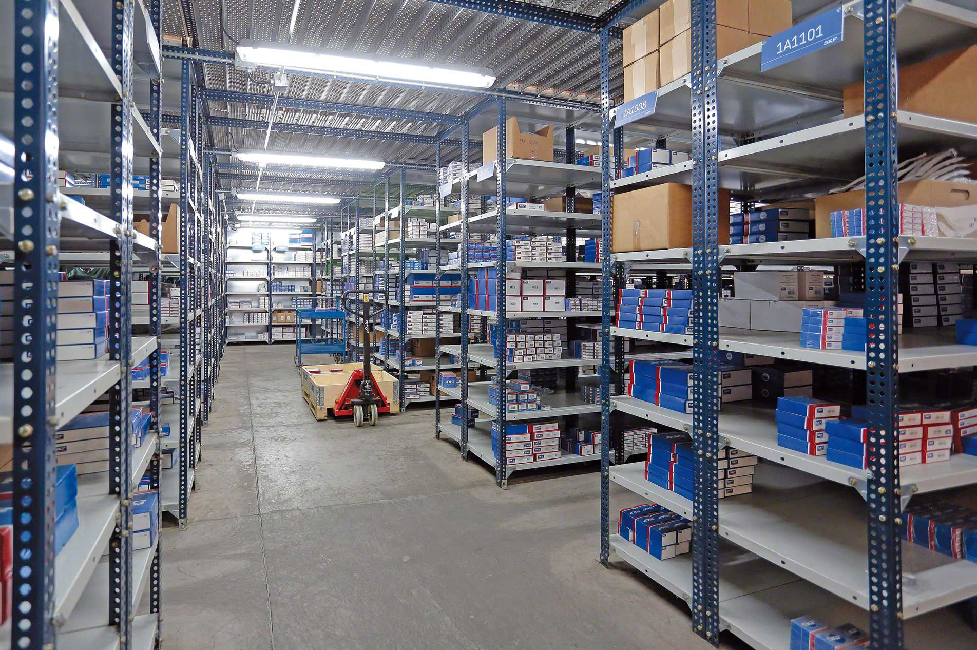 Slotted-angle shelving | Picking | www mecalux co za