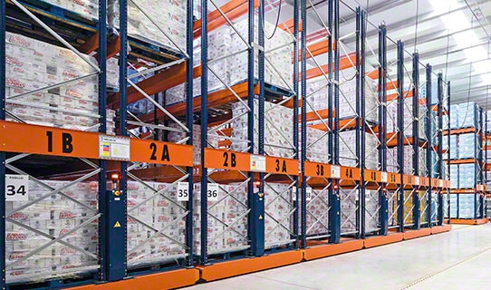 Mobile pallet racking Movirack