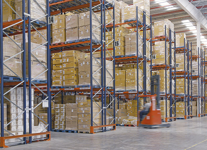 Two storage systems at Eurofred's distribution centre in Spain