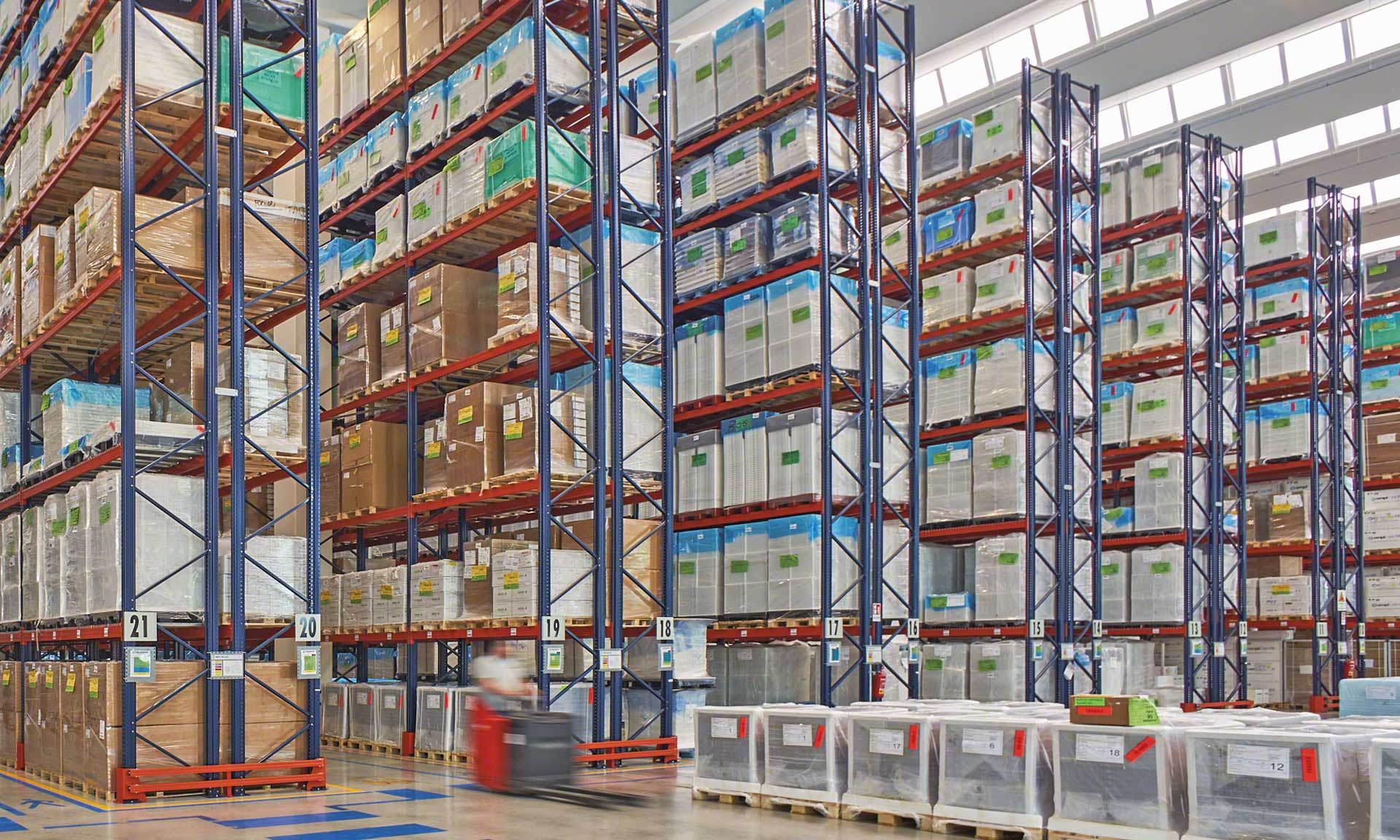 The Chiggiato Transporti facility with earthquake-proof pallet racking